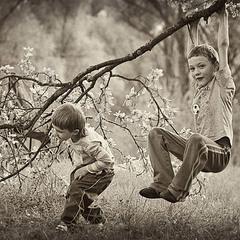 Детство - это так весело :)