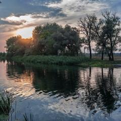 Река закатная