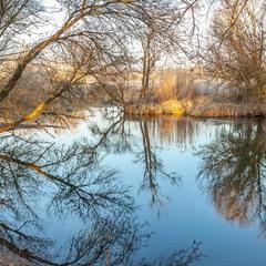 Первое весеннее утро на реке