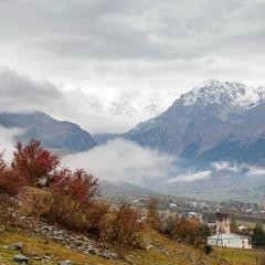 Пасмурное утро в горах