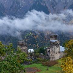Сванские башни осенью