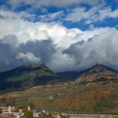 Оседлав горы