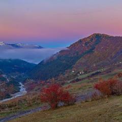 Багряное утро в горах