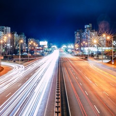 движение ночного города
