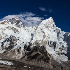 Вечірні хмарки над Еверестом