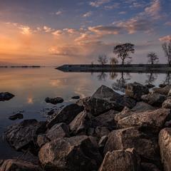 Розкажи, як за горою сонечко сідає, як у Дніпра веселочка воду позичає...