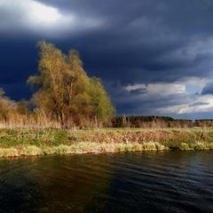 Темні хмари, темні води