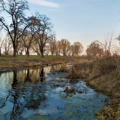 Тече річка невеличка