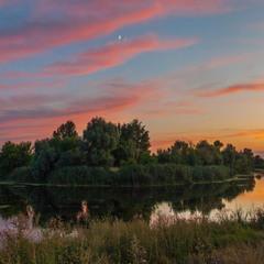 Августовский закат на реке