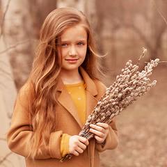 Девочка с вербой