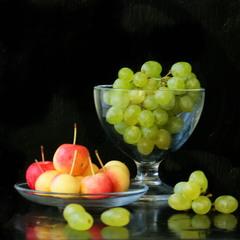 С виноградом и райскими яблочками