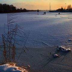 Теплый закат холодного дня