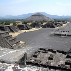 Город Богов, вид на пирамиду Солнца и дорогу мертвых