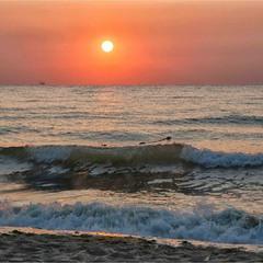 Тёплый восход октября