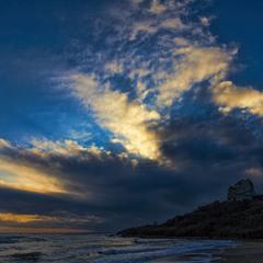 Закат над  декабрьским морем