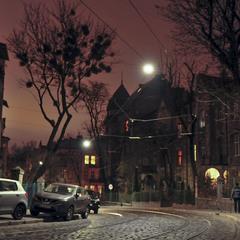 Вулиця вечірнього міста...