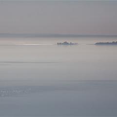 Острів в тумані.
