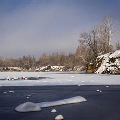 Зима на озері.