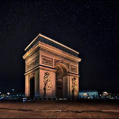 Звездное небо над Парижем